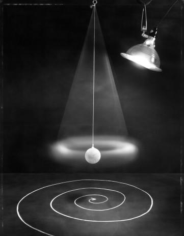 John Chervinsky, InMotion... AtRest / V pohybu... v klidu, ze série An Experiment in Perspective / Experiment s perspektivou, 2005
