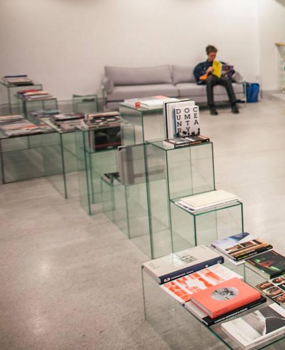Pohled do výstavy ve spolupráci s Camera Austria, Michael Hoepfner, Rakouské kulturní fórum, Fotograf Festival 2015