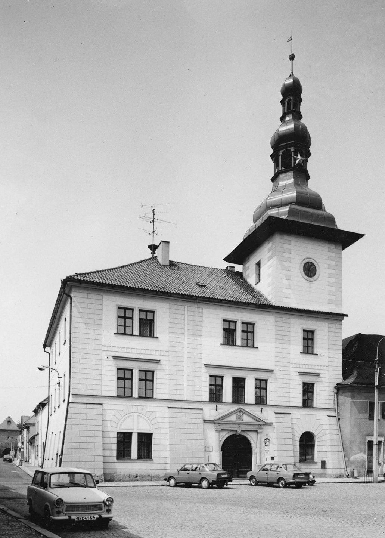 František Krejčí, Radnice v Bělé pod Bezdězem 1989 (ÚDU AV ČR, inv. č. Z43932)